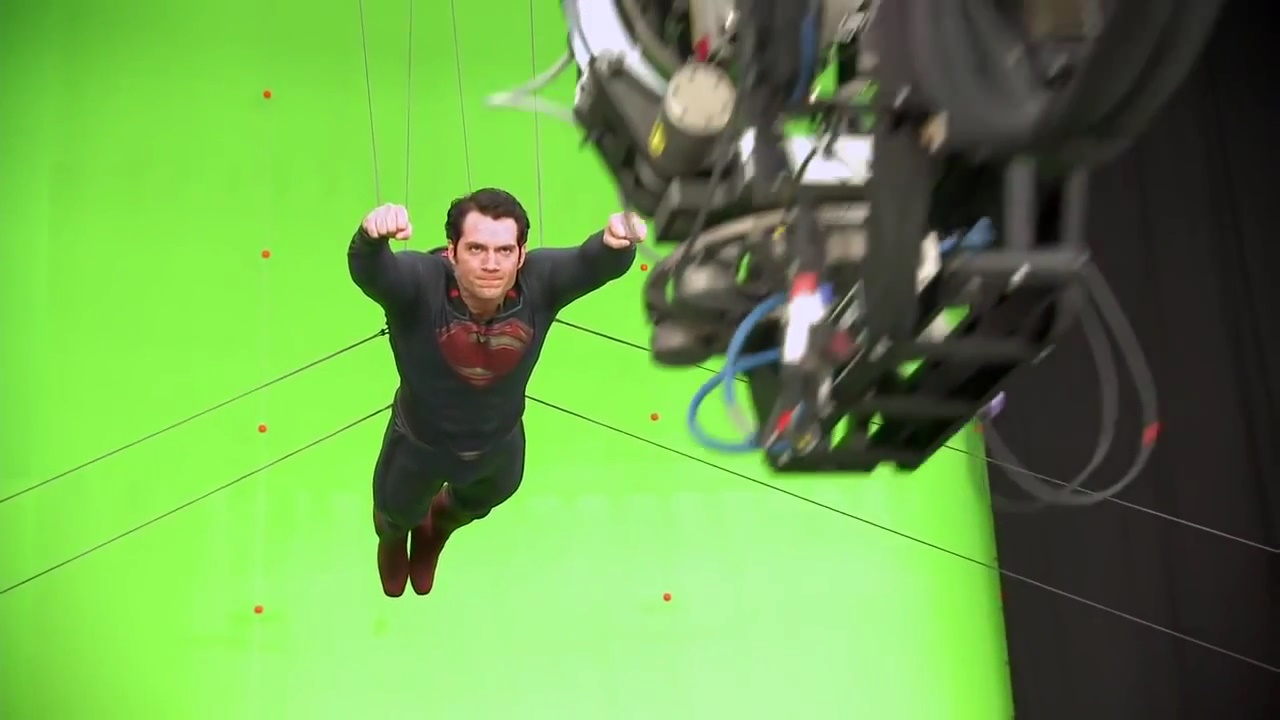 35 Incredible Behind The Scenes Images Of Henry Cavill